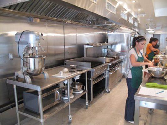thiết kế nhà bếp công nghiệp